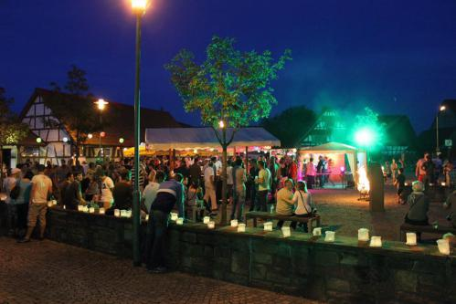 Lichternacht auf dem Sander Dorfplatz